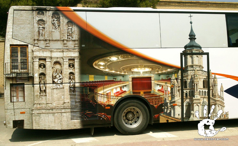 Diseño y rotulación de autobús publicitario DECORCAR
